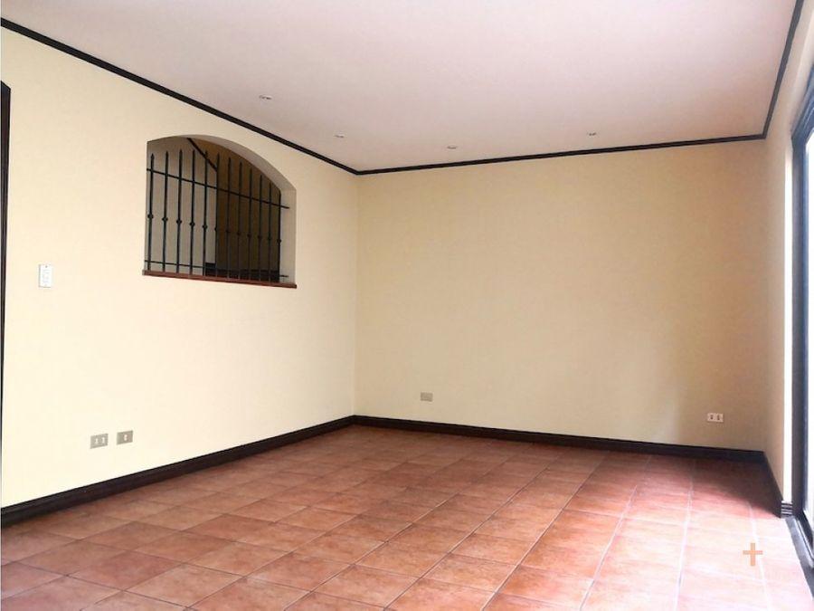 casa alquiler en trejos montealegre escazu rc95
