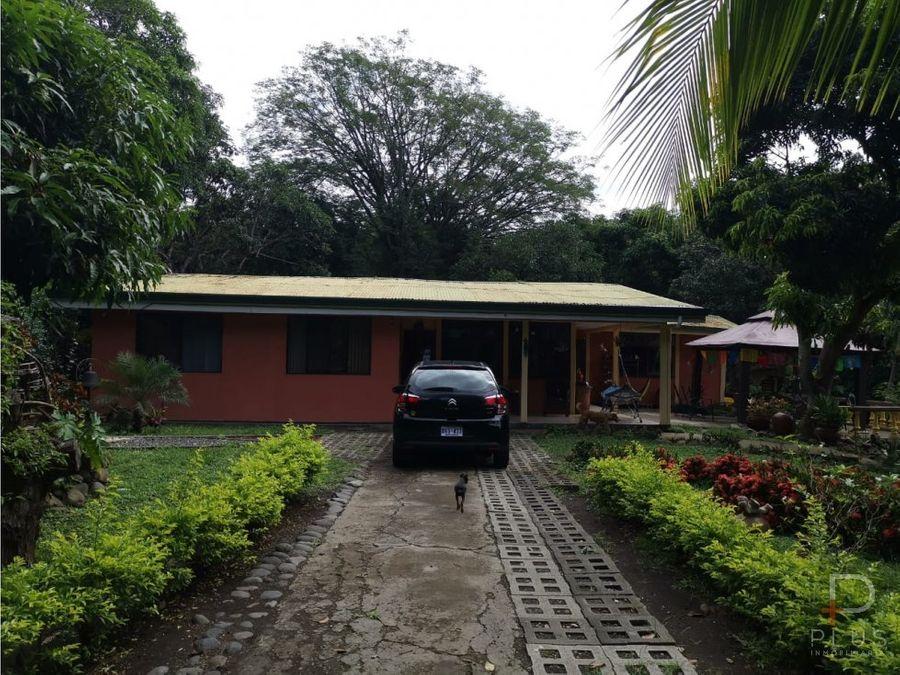 propiedad en atenas en venta con 2 casas y piscina