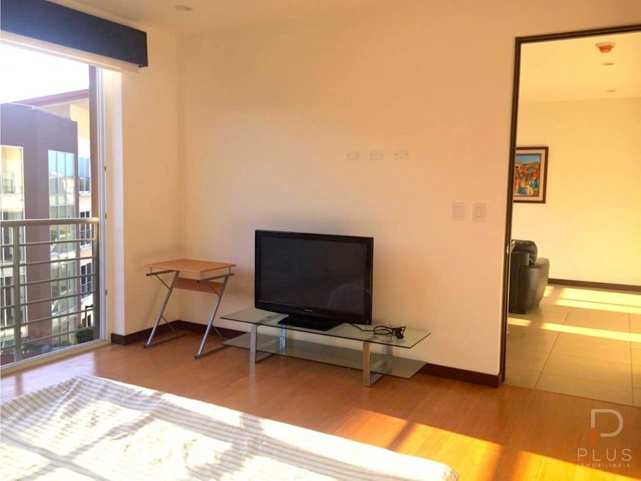 apartamento amueblado alquiler distrito cuatro escazu em338