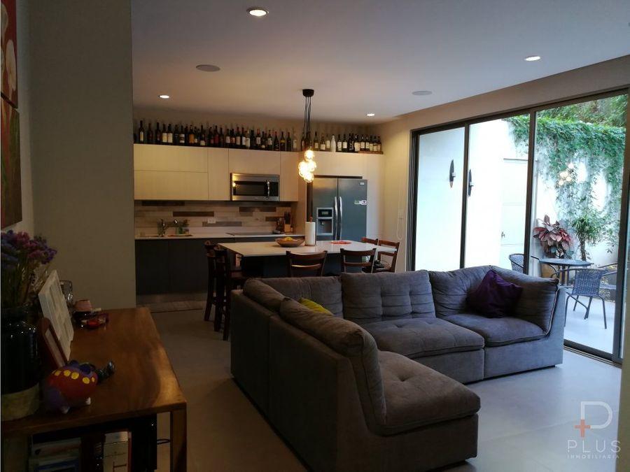 apartamento con 2 dormitorios y amplio patio