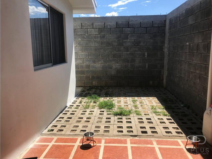 casa con 3 dormitorios de 1 piso patio