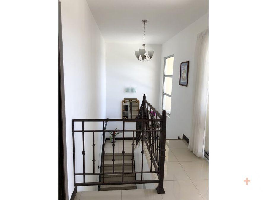 casa en condominio en venta moravia con patio jv13