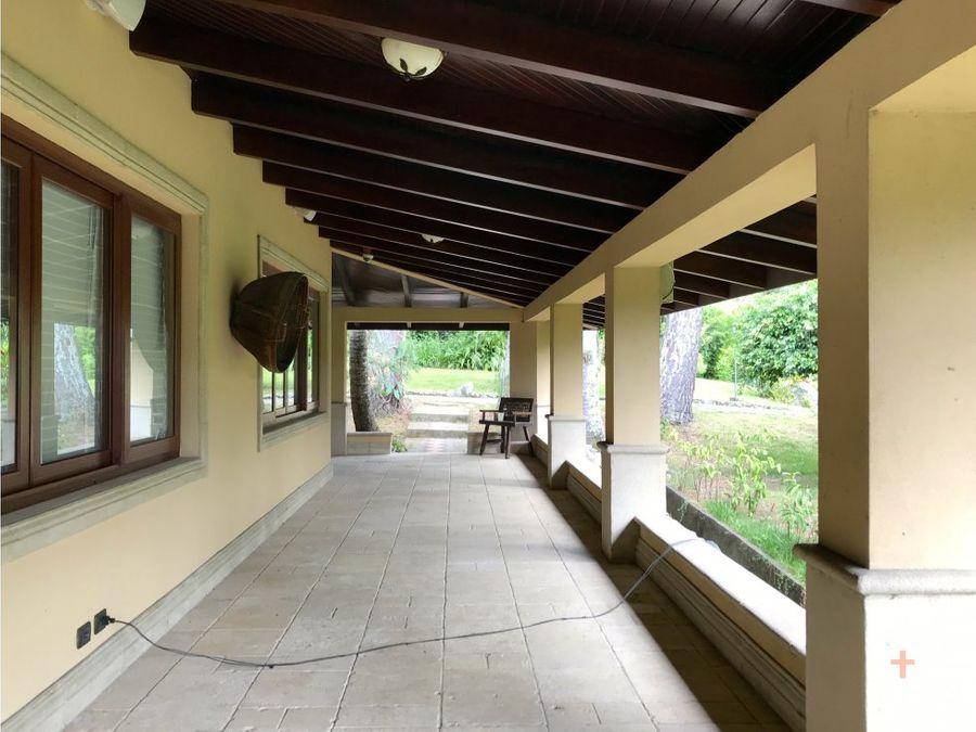 amplia propiedad con 3 casas venta santa ana