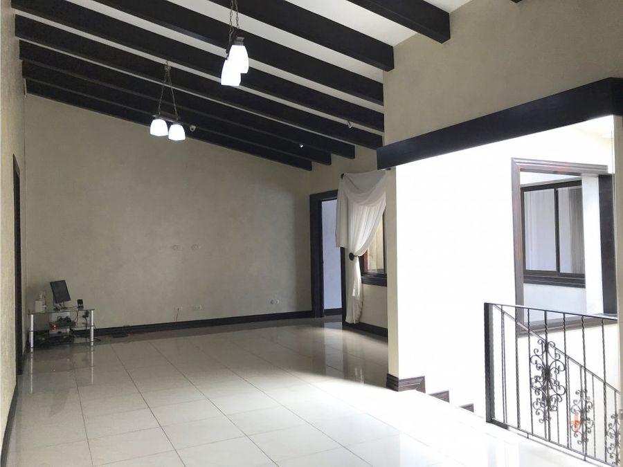 casa 4 habitaciones en venta guachipelin escazu em346