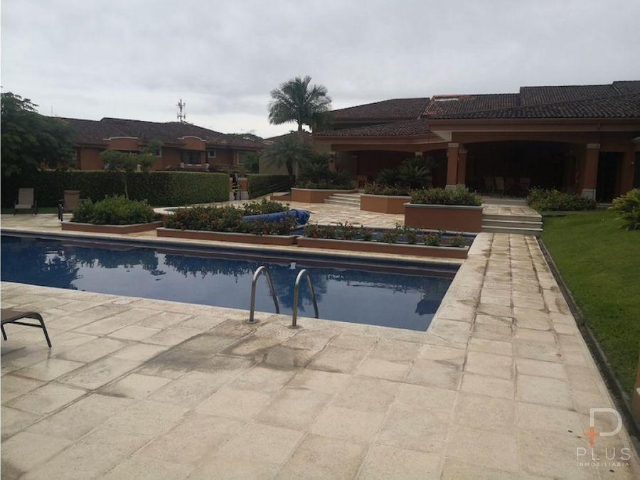 casa alquiler villas de valencia guachipelin escazu rc162