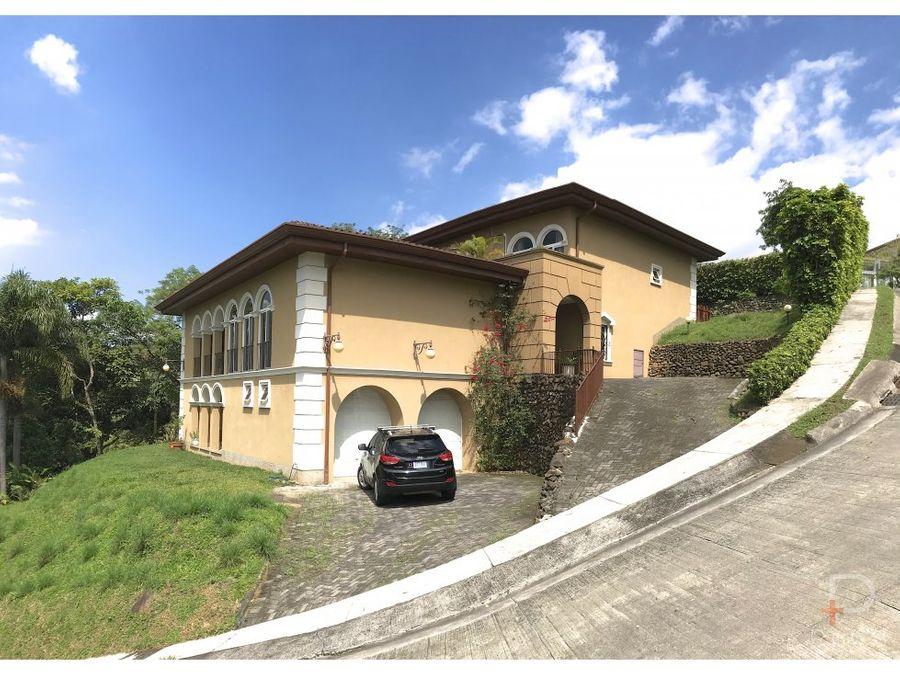 casa venta o alquiler cerro colon 4 habitaciones