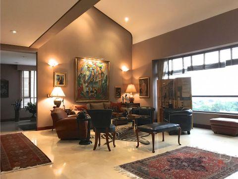 lujoso penthouse de 4 habitaciones en 2 niveles