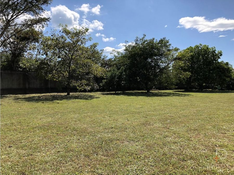terreno en venta en hacienda espinal 707m2