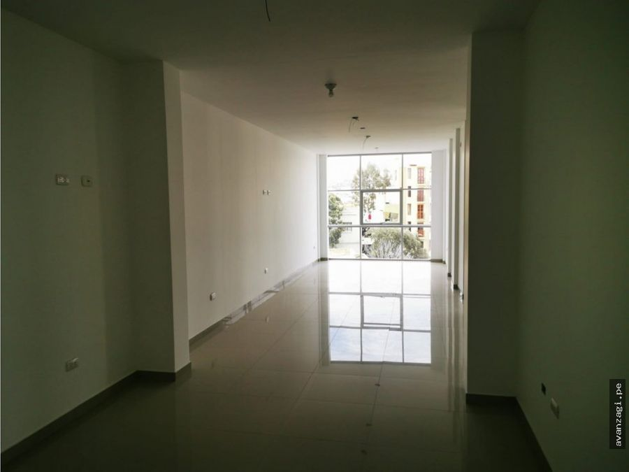 edificio de 4 pisos implementado a espaldas de nasya ii