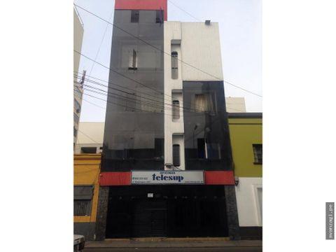 edificio en buena ubicacion a pasos de 28 de julio