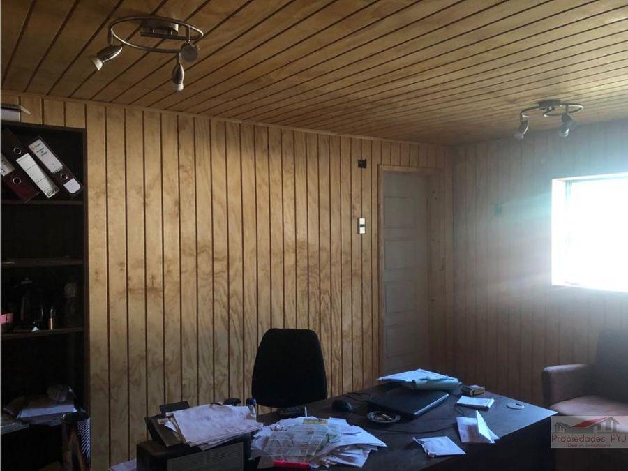 casa con dos galpones en pocochay