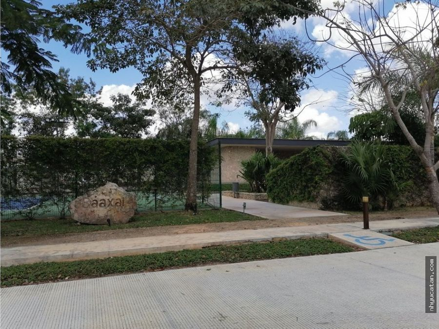 residencia de una planta en esquina en privada con amenidades de lujo