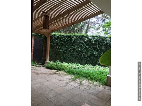 apartamento con jardin encinos zona 16