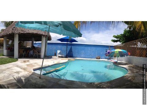 casa de playa con piscina en residencial