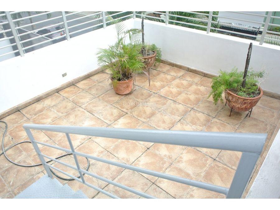 apartamento con terraza en venta en evaristo morales
