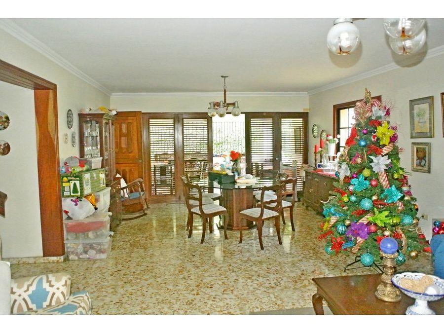 casa en venta en urb fernandez santo domingo