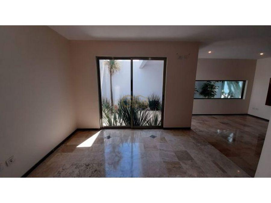 hermosa casa en venta dentro de fracc haciendas la luz