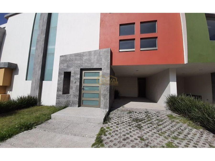 casa en renta de 3 recamaras en fracc residencial