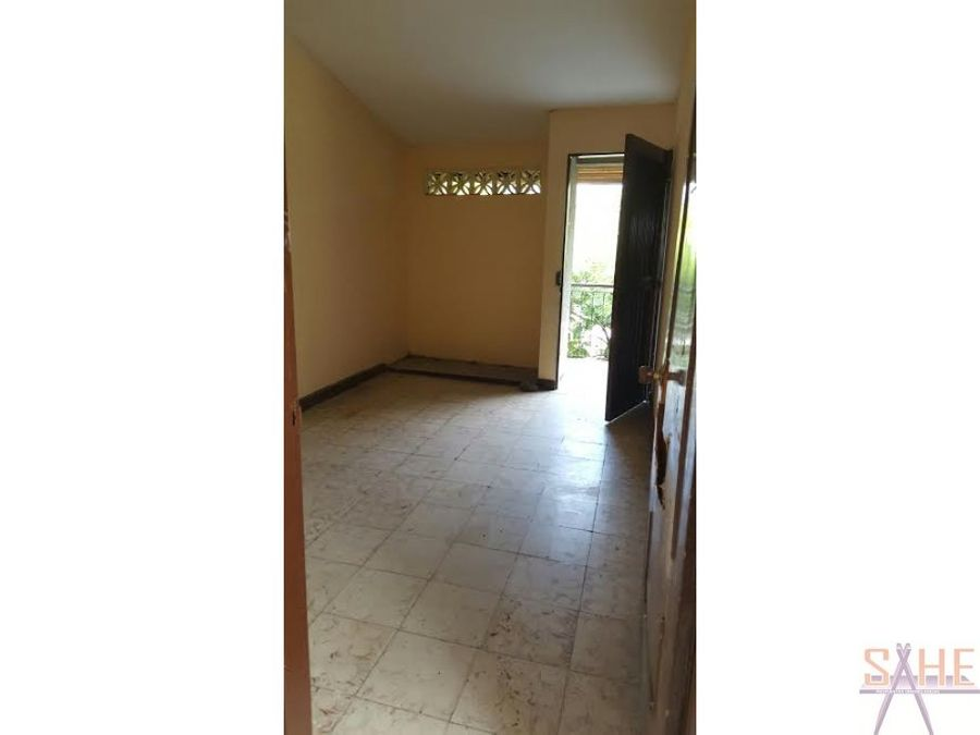 local con apartamento san bosco cali
