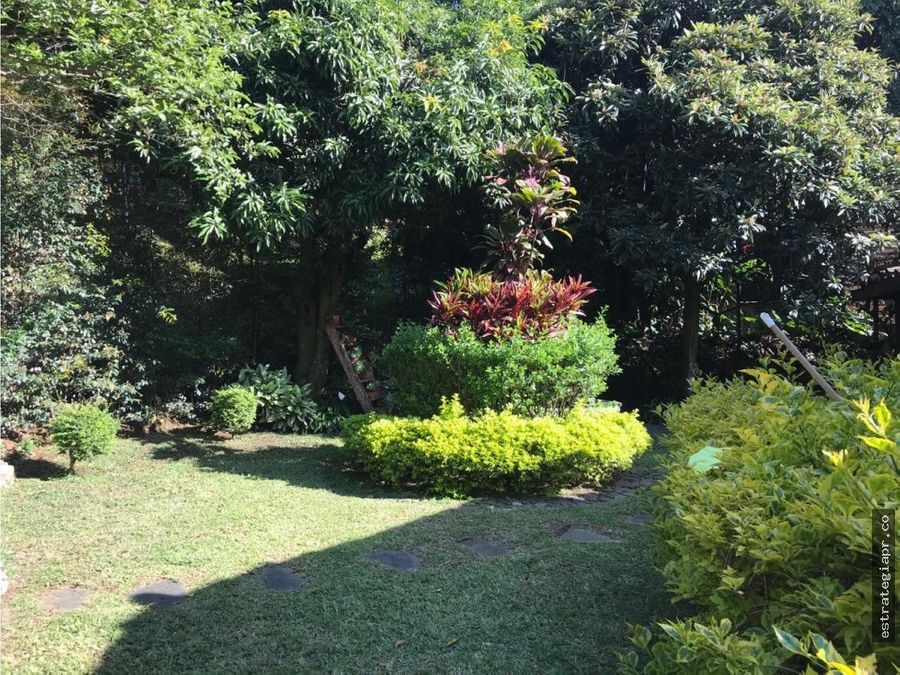 arriendo de casa en patio bonito