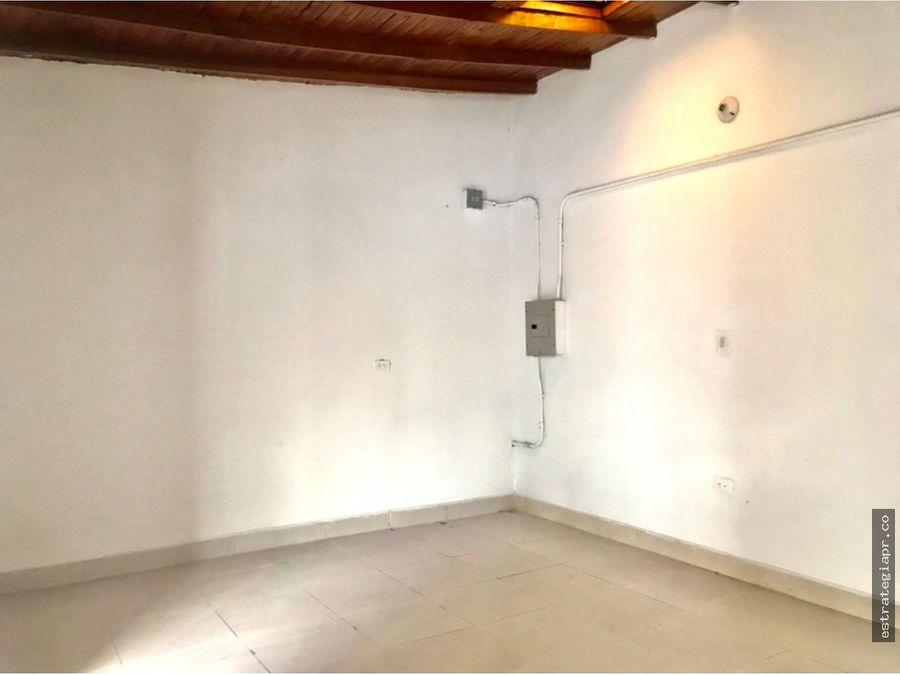casa de amplios espacios en venta en la castellana