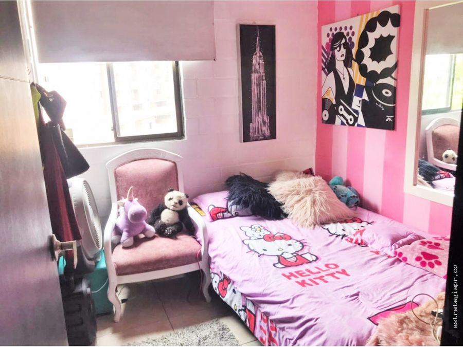 apartamento iluminado en venta en rodeo alto medellin