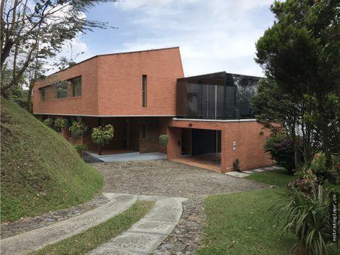 venta de casa moderna en el alto de las palmas envigado