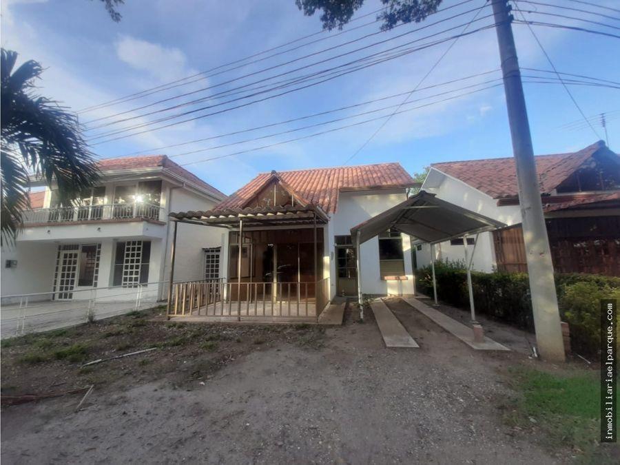 se vende linda casa en villa maria