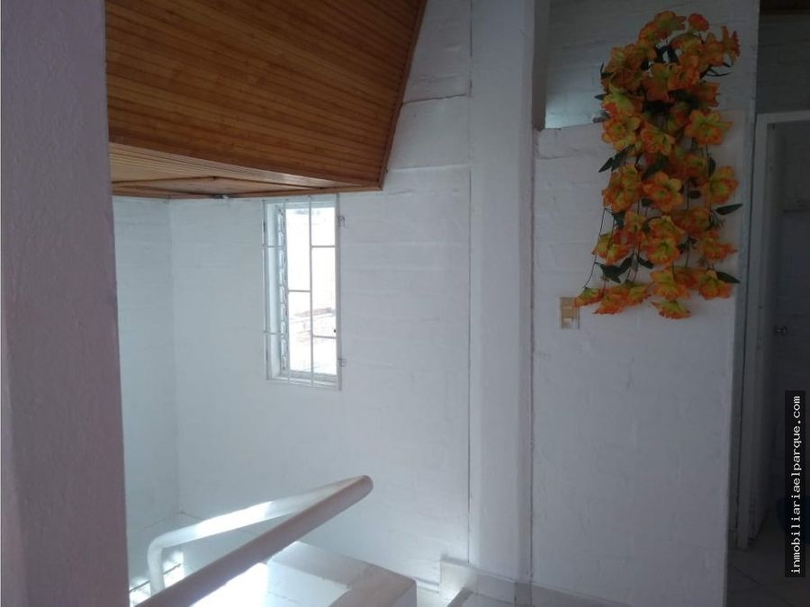 se vende casa conjunto santa monica