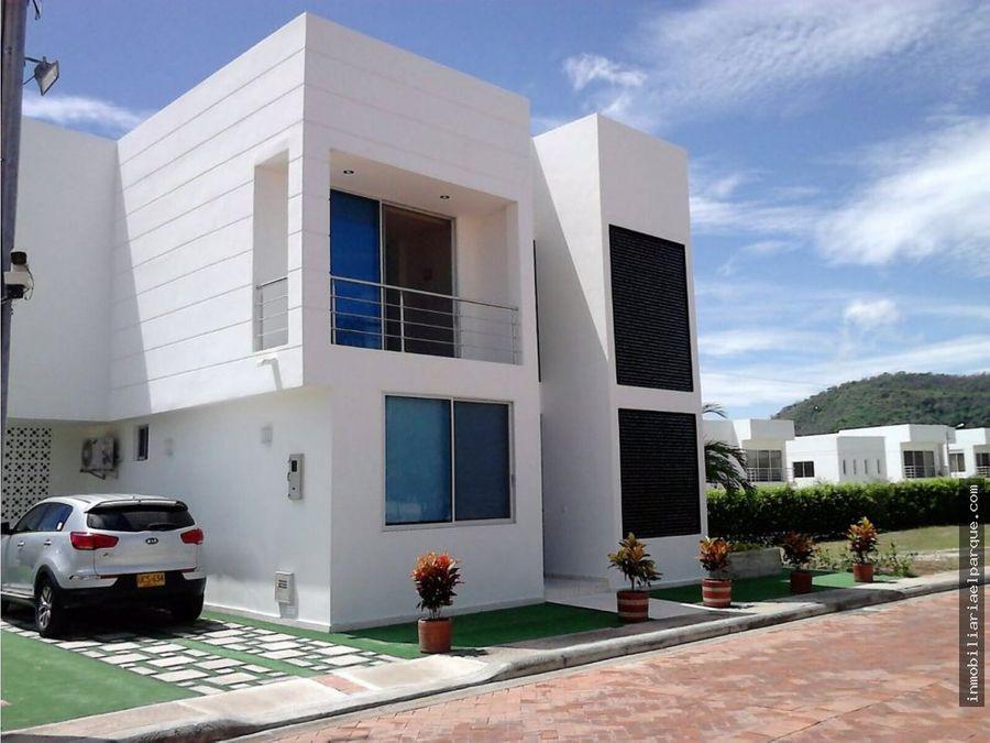 se vende hermosa casa en conjunto casa loma