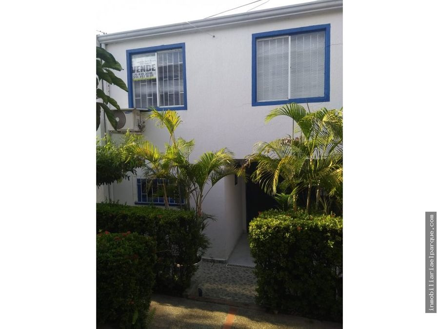 se vende agradable casa en santa monica