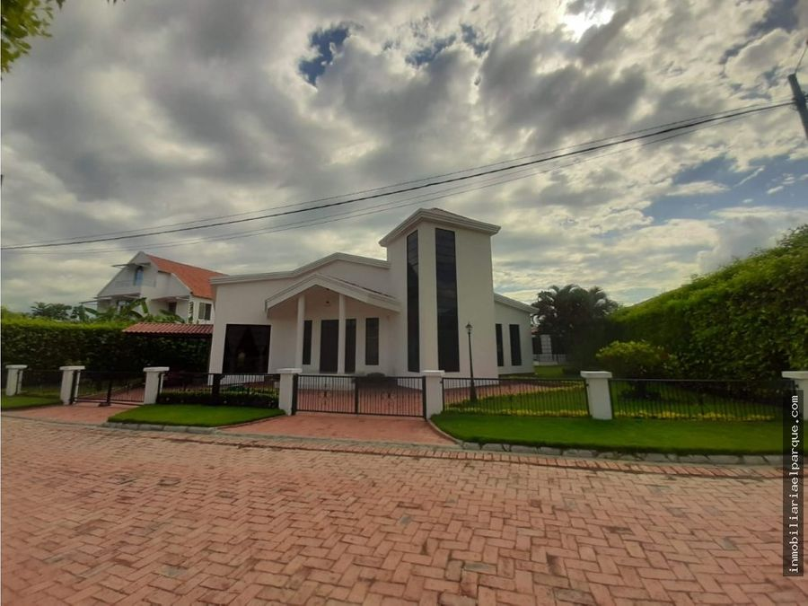 se vende casa quinta en conjunto santa maria del campo