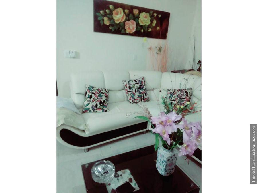 se vende confortable casa