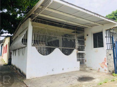 casa en esquina residencial negociable rmv 230919