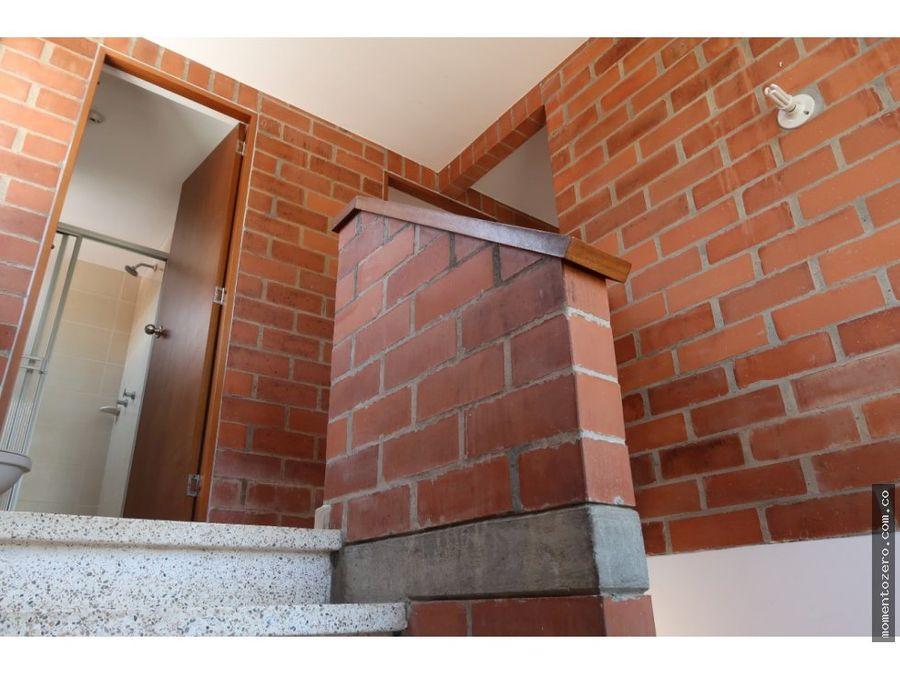 venta casa esquinera en club house cerritos pereira