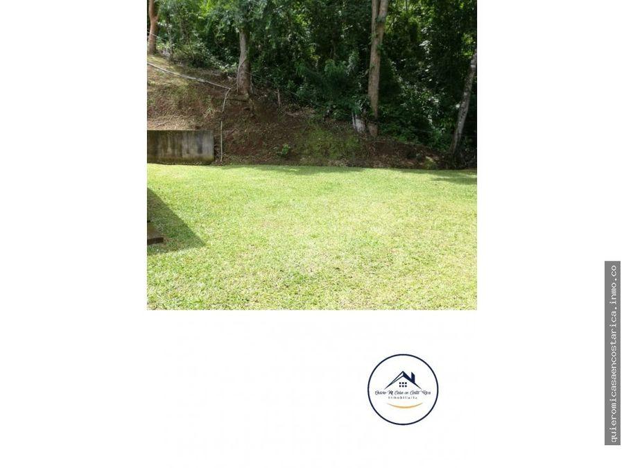hermosa casa en santiago de puriscal con amplias zonas verdes