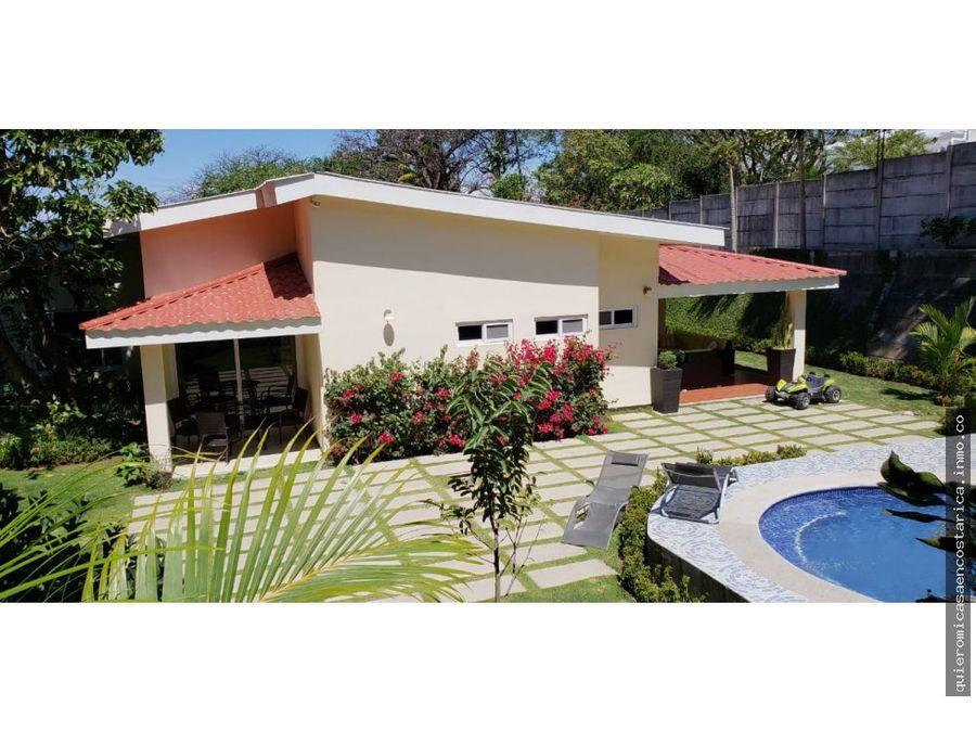 lujosa casa tipo quinta por el incae managua