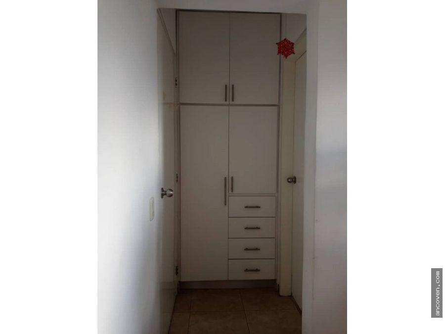 se vende bello apartamento en el parral