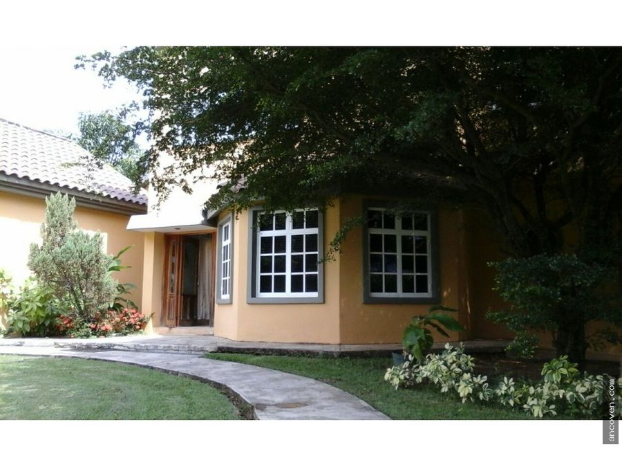 ancoven premium vende exclusiva casa en el solar
