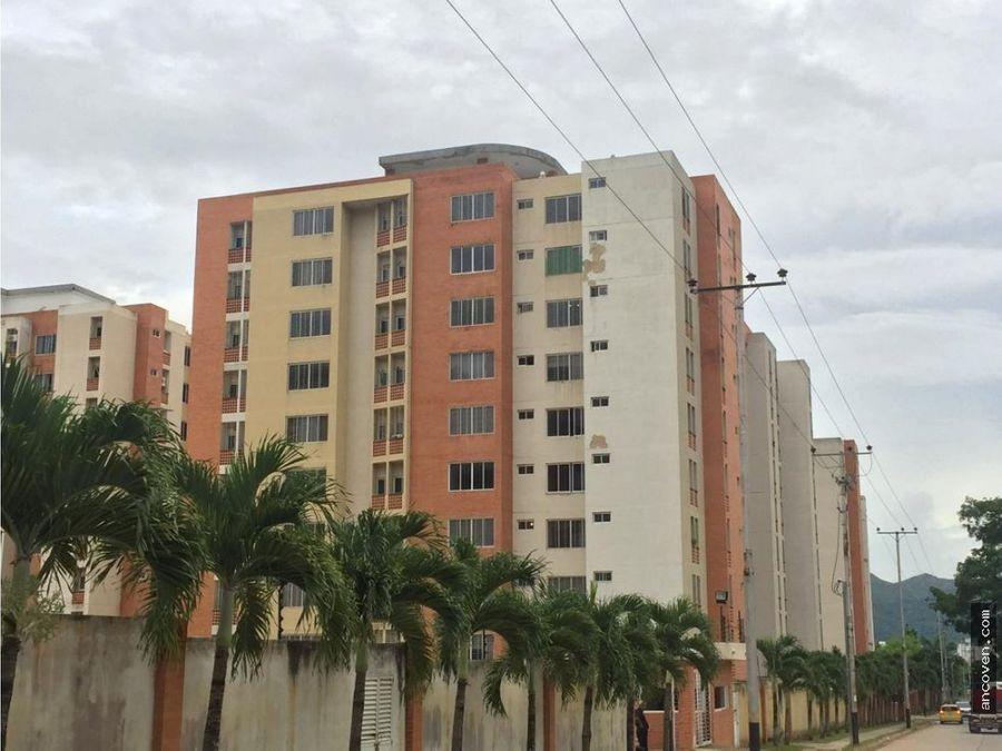 se vende apartamento en res doral country