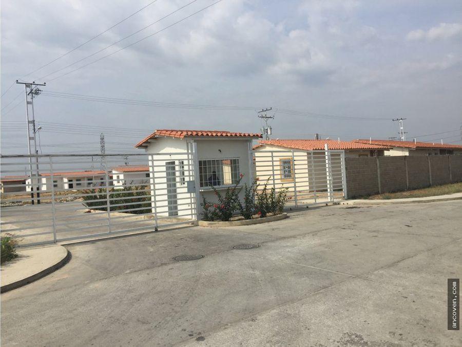 ancoven vende casa de esquina en urb brisas lago 4