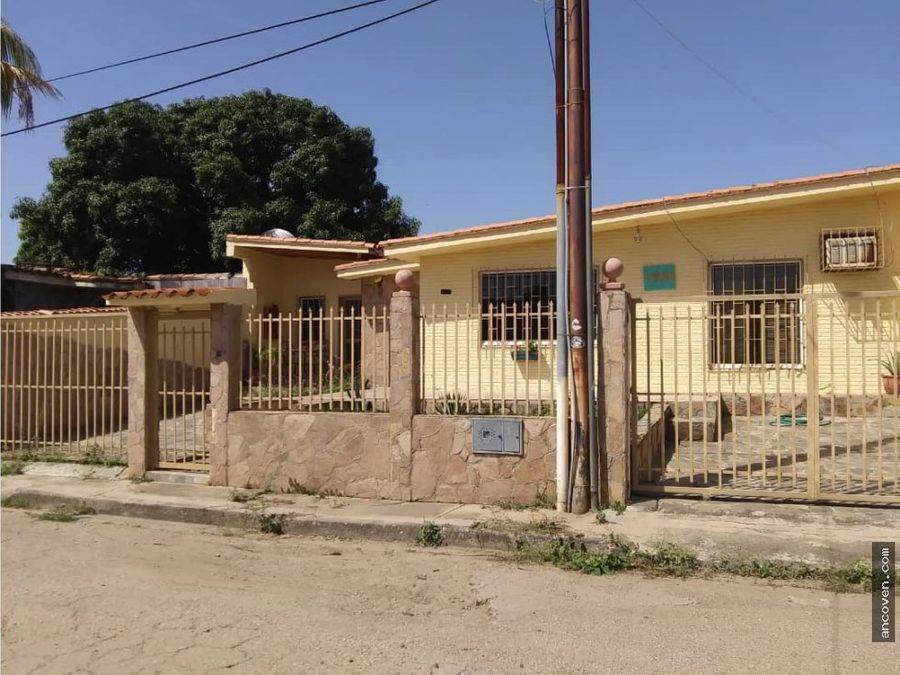 ancoven premium vende casa en paraparal