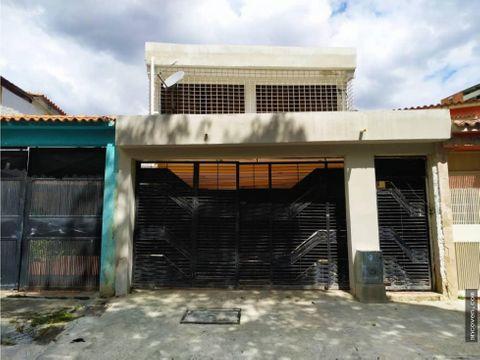 ancoven premium vende town house sabana larga
