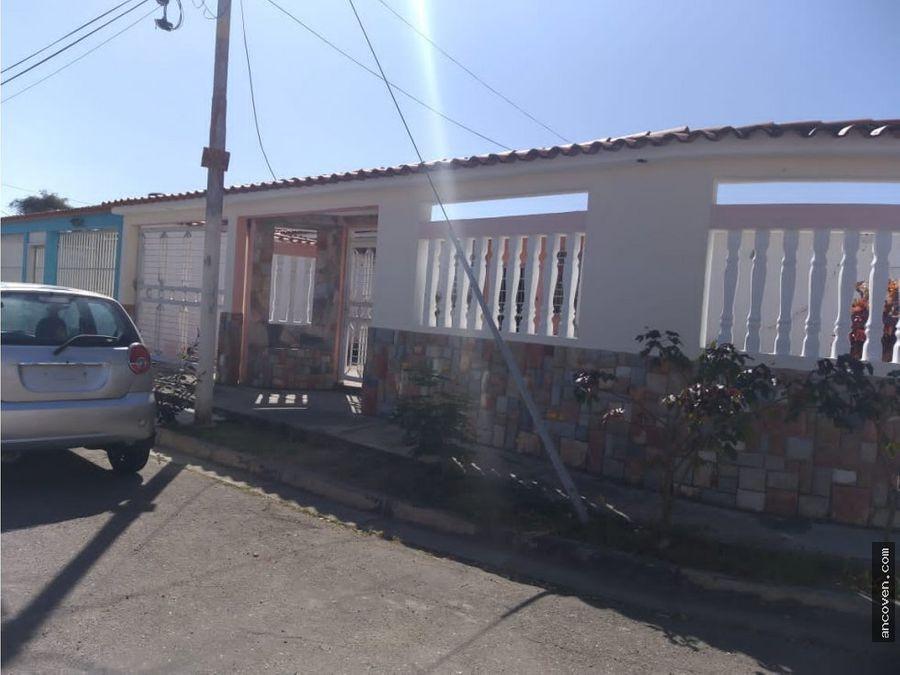 casa en los guayos urbanizacion los cerritos ancoven master vende