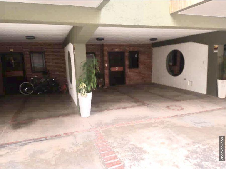 ancoven premium vende town house en calle cerrada urb el parral