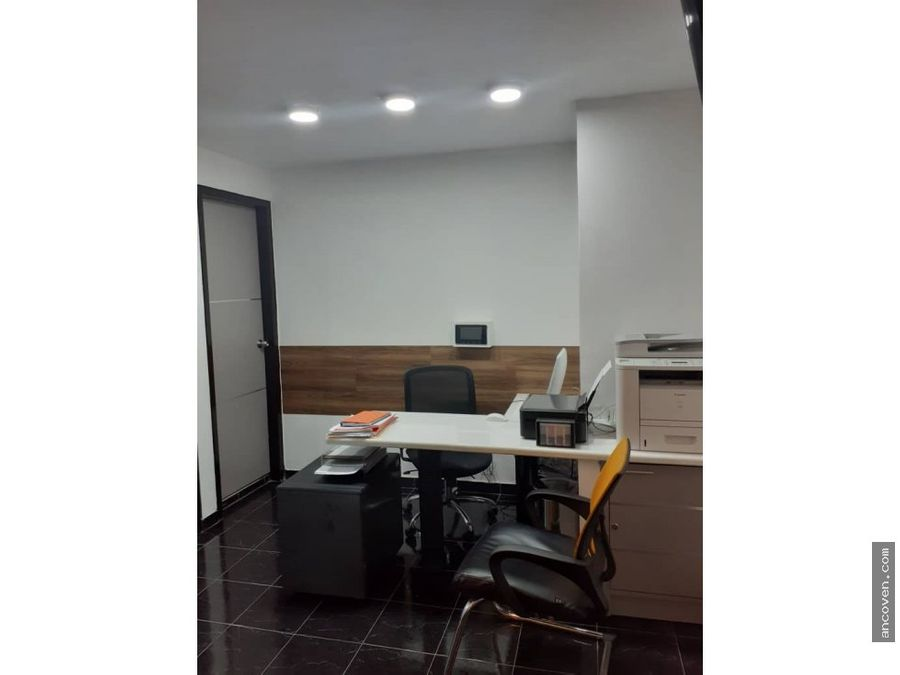 ancoven vende oficina en av bolivar norte