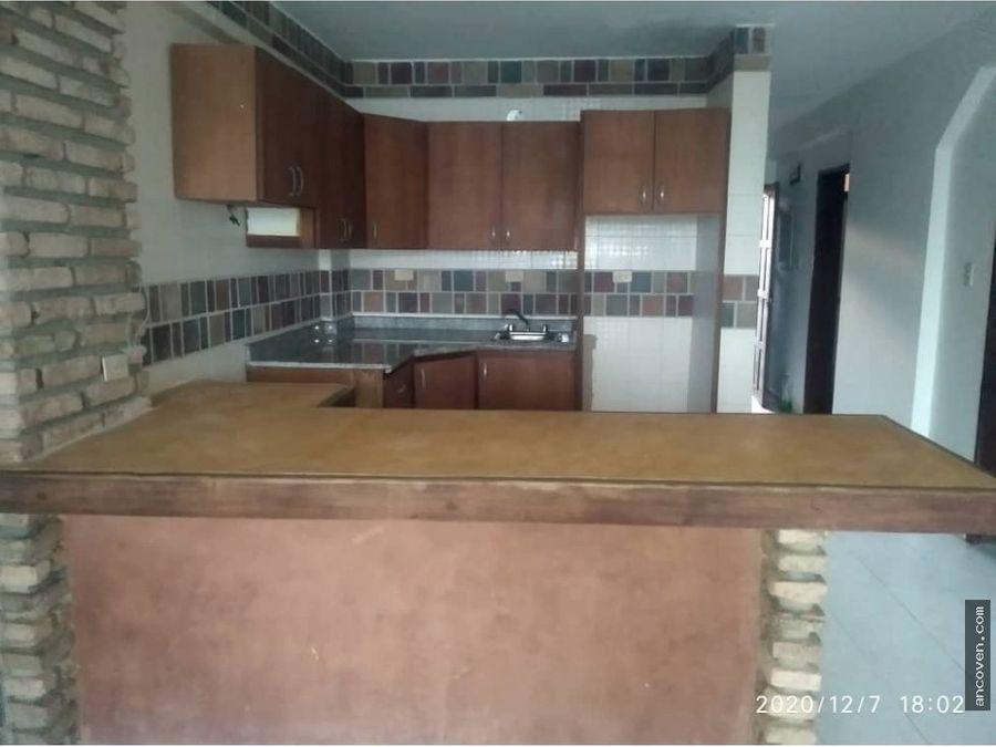 ancoven premium vende apartamento en tucacas