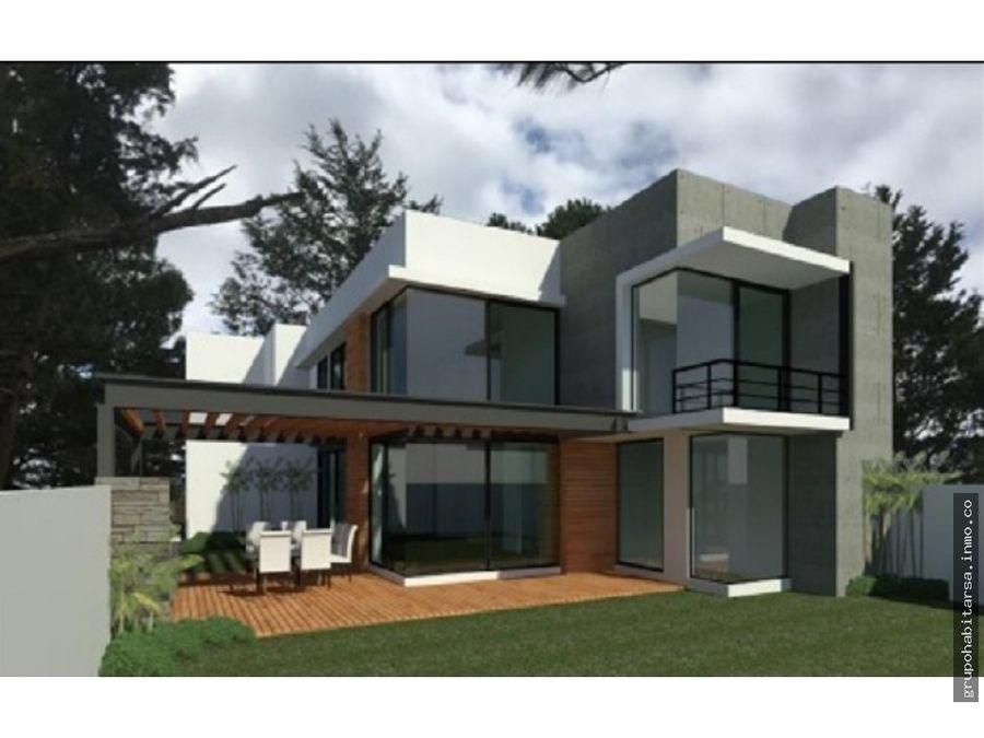 vendo casa con arquitectura moderna en residenciales los manantiales