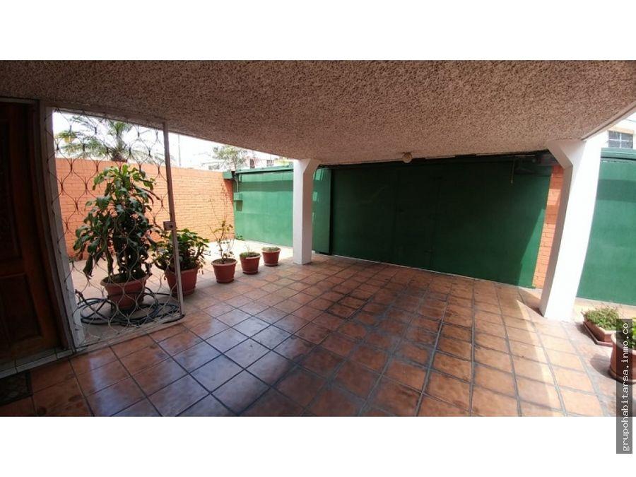 alquilo casa zona 12 a media cuadra de la avenida petapa