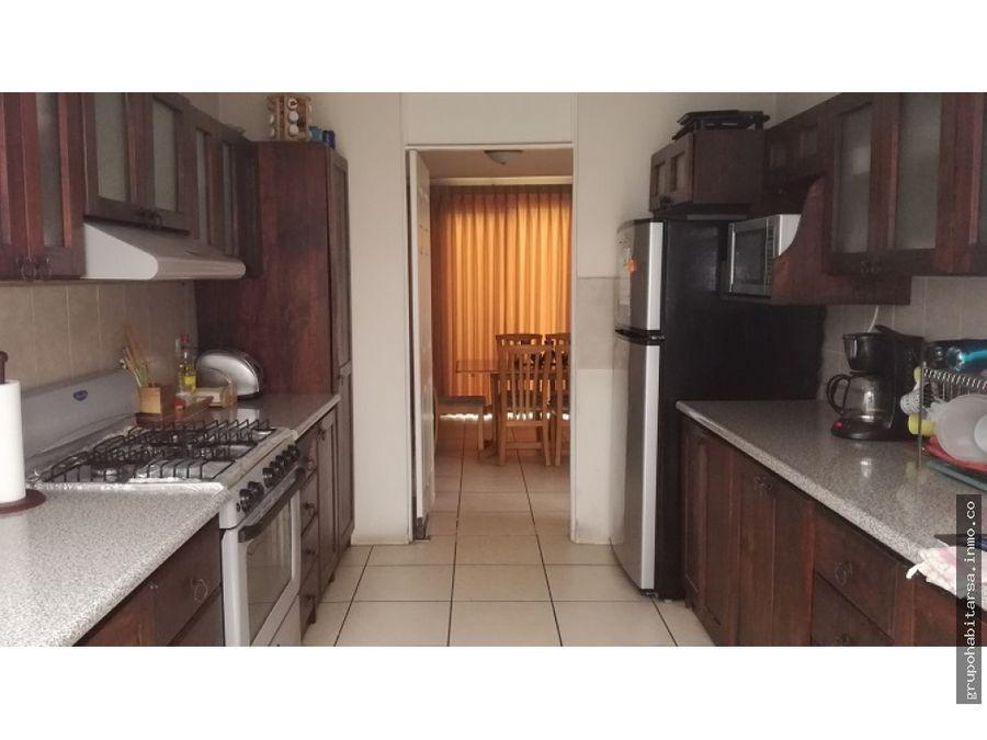 venta de casa zona 8 de mixco san cristobal dentro de condominio